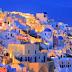 Guardian: Μη φοβάστε, η αληθινή Ελλάδα είναι ακόμη εδώ