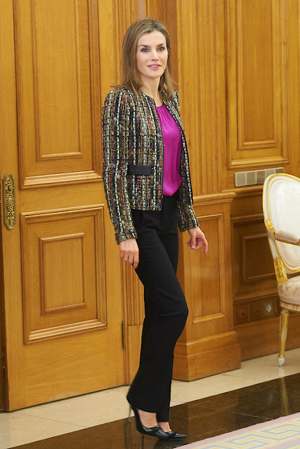UTERQUE Jacket - CAROLİNA HERRERA Shoes -  HUGO BOSS Fuchsia-Silk Blouse