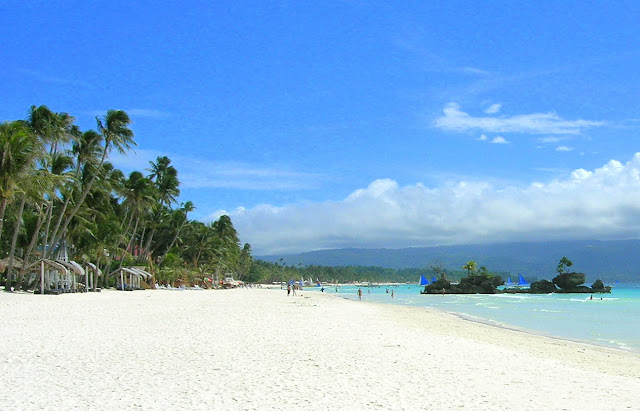 white-beach-boracay-island-philippines