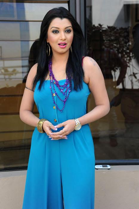 siddi , siddhi actress pics