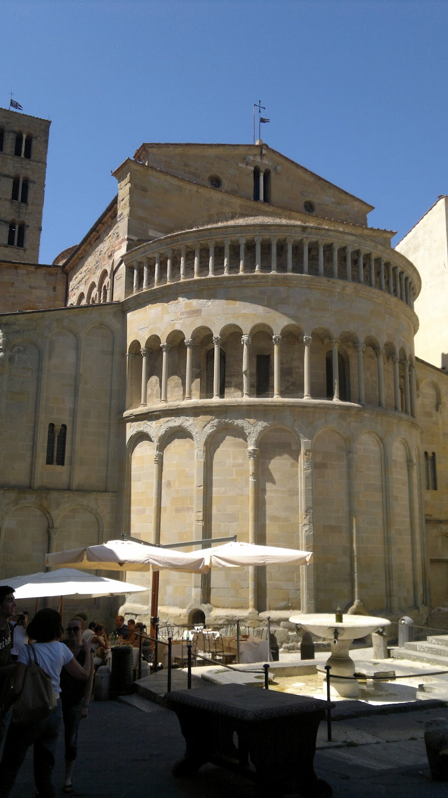 Archi tetti arte ed antiquariato ad arezzo for Arezzo antiquariato