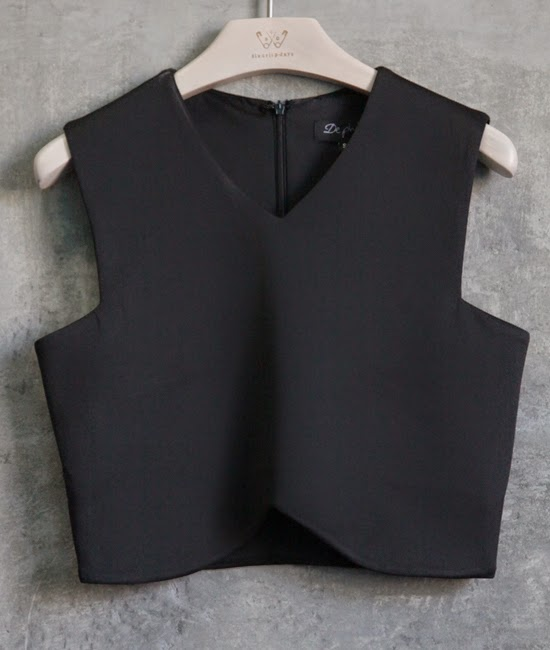 http://www.swankboutiqueonline.com/modern-scoop-crop-in-black/