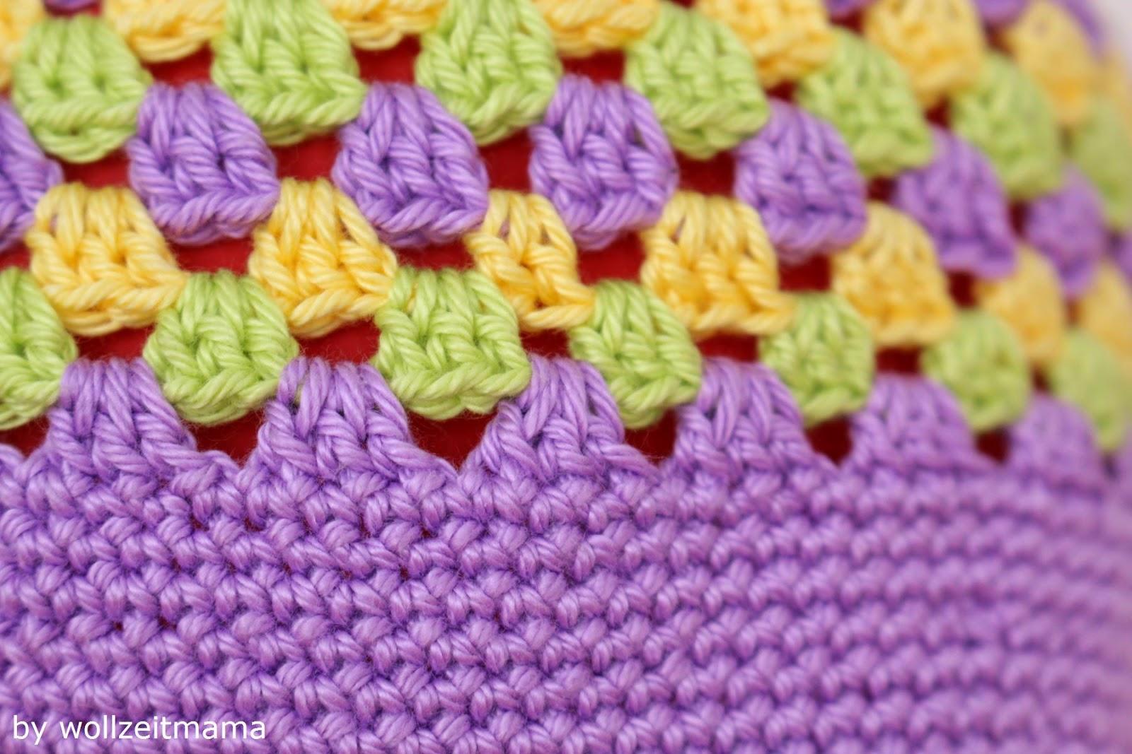 Wollzeitmama: Dreifarbige Kindermütze im Granny Square Muster