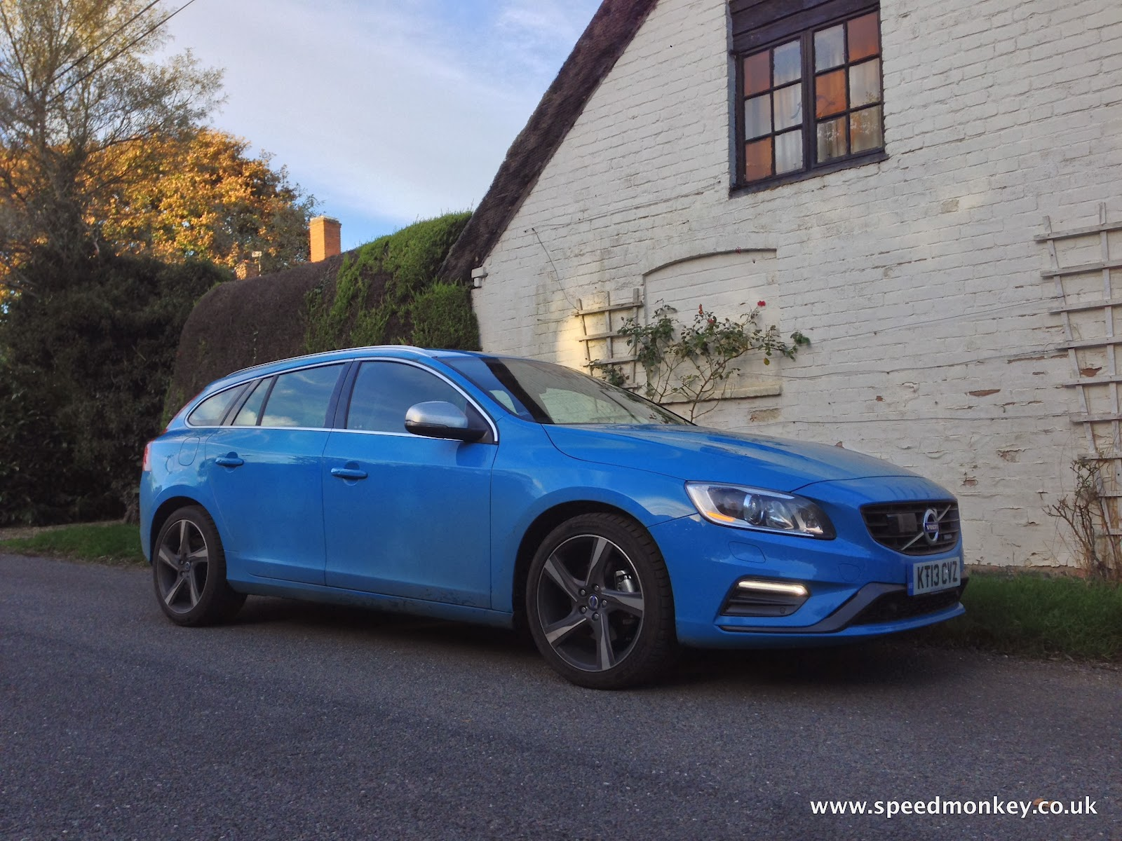 speedmonkey volvo v60 d3 r design review. Black Bedroom Furniture Sets. Home Design Ideas
