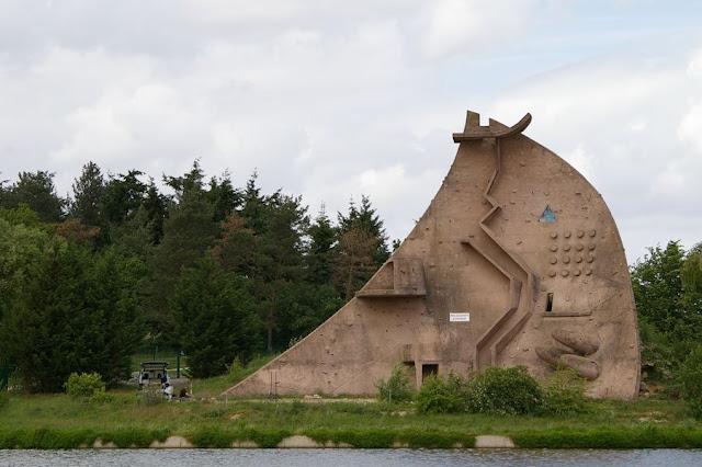 Byron last la dome du lac pierre szekelly - La pierre du droguiste ...