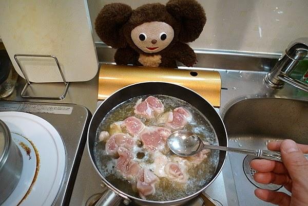 親子丼トマト入りの作り方(2)