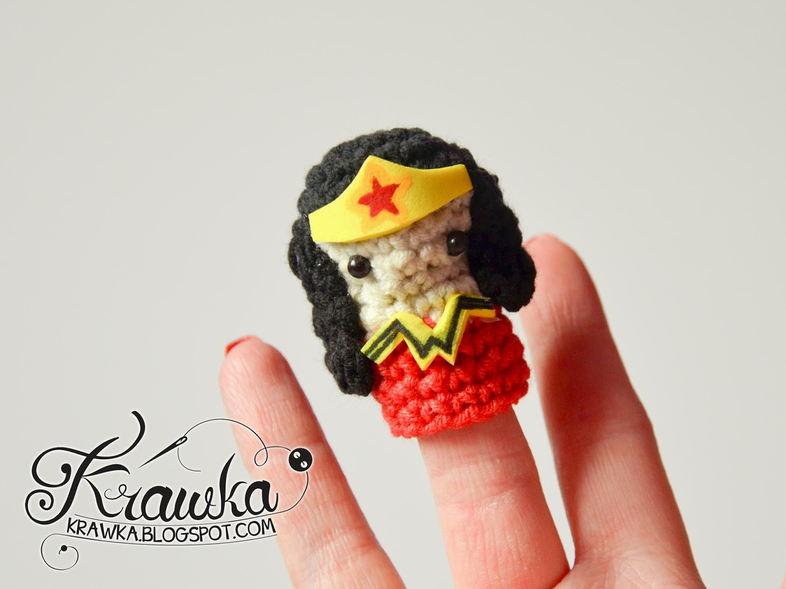 Krawka: Cute set of crochet finger puppets with FREE patterns. Justice League : Wonder woman
