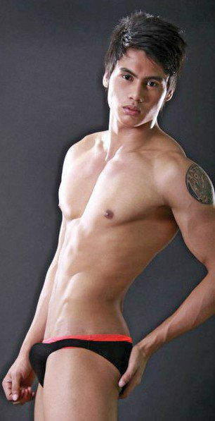 pinoy hunk in nude
