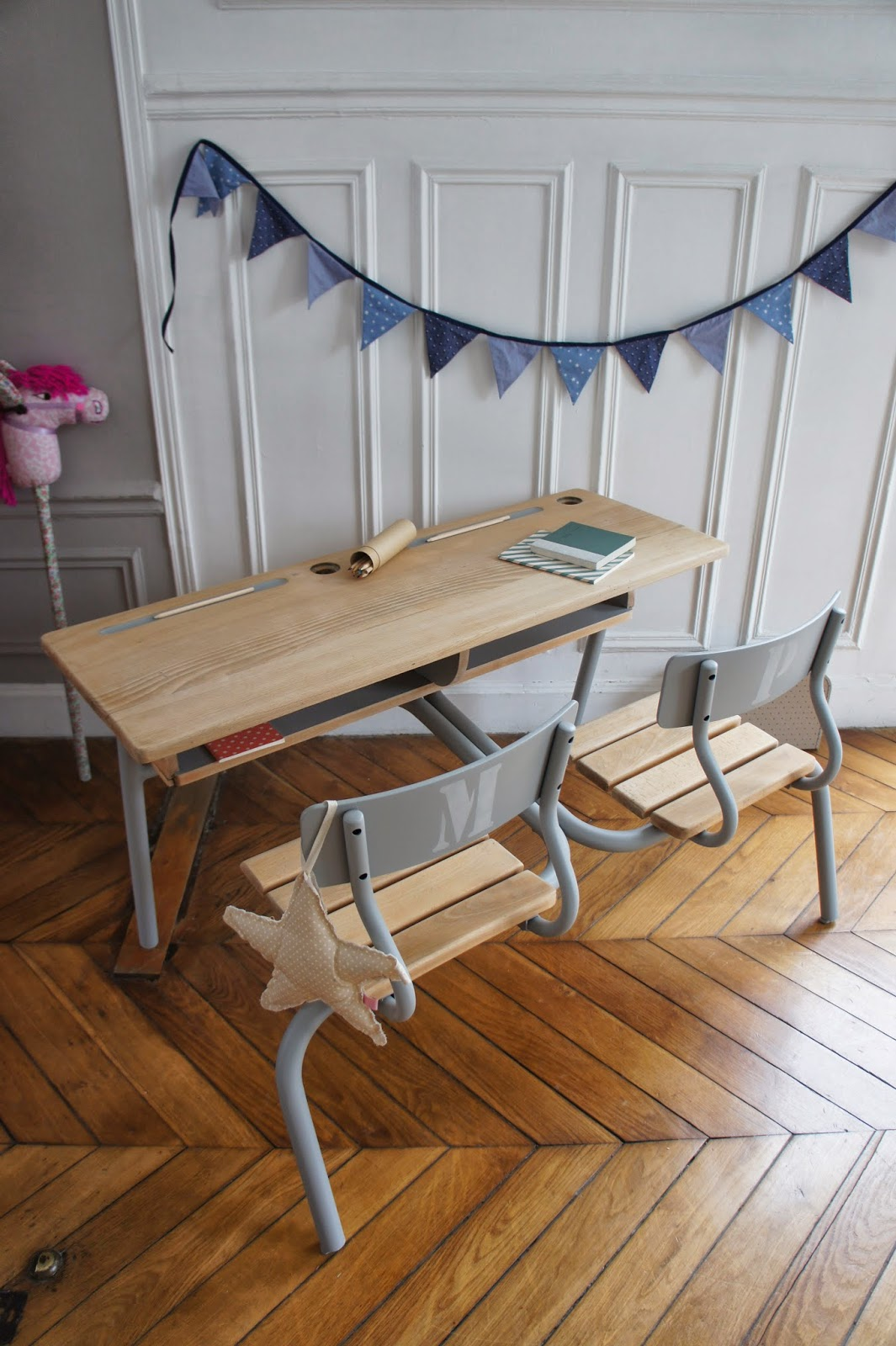 atelier petit toit pupitre revisit sur commande f v 2013. Black Bedroom Furniture Sets. Home Design Ideas
