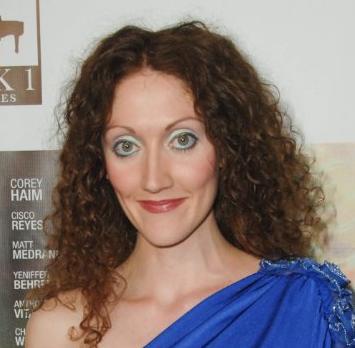 Вуаля, эби тайлер, она же по совместительству малоизвестная шотландская актриса шарлот милхард