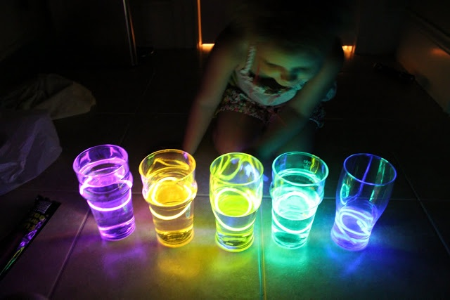 Glow stick water cups : Play At Home Mom LLC