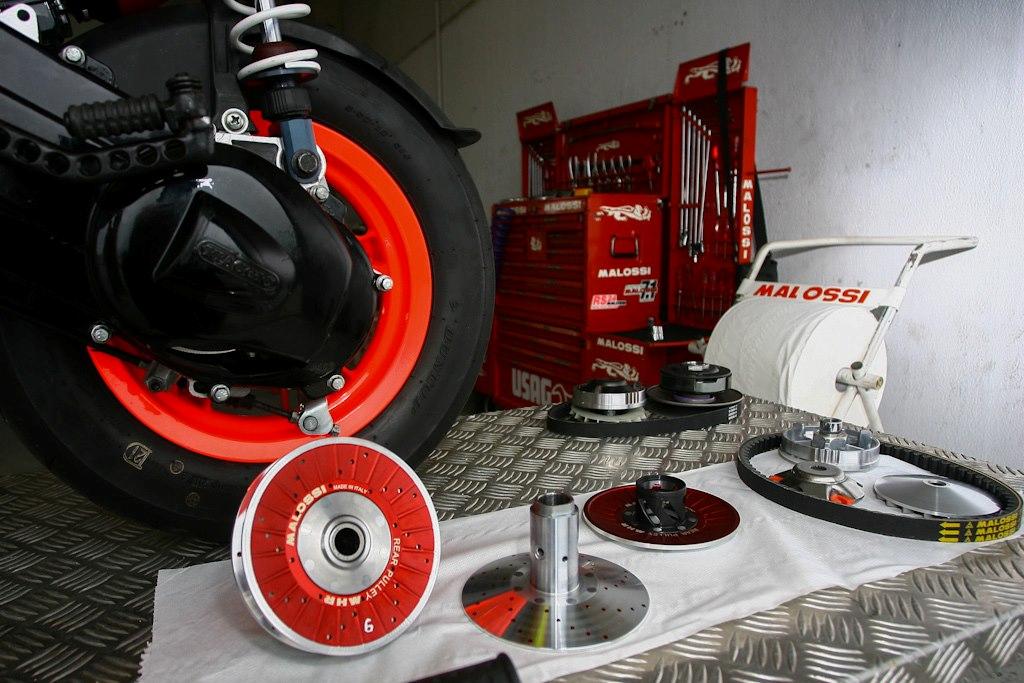 LA FURIA ROSSA nuovo kit over range mhr aluminium Malossi