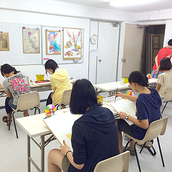 横浜美術学院の中学生教室 美術クラブ 制作スタート!