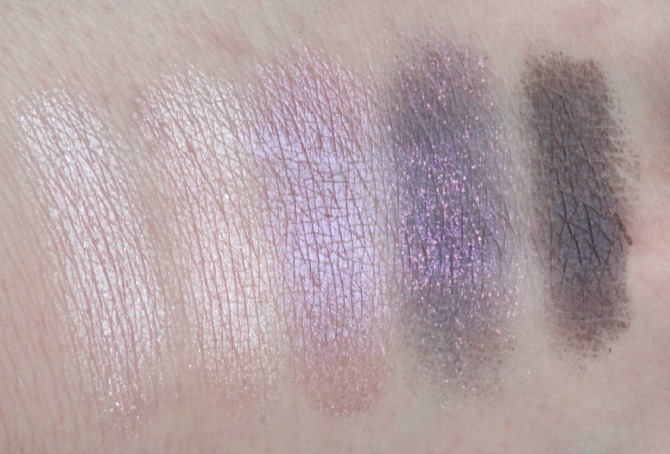 Swatches of the MAC Veluxe Pearlfusion Shadows in Pinkluxe