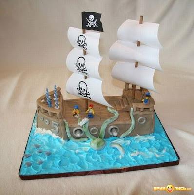 Funny Boat Cake