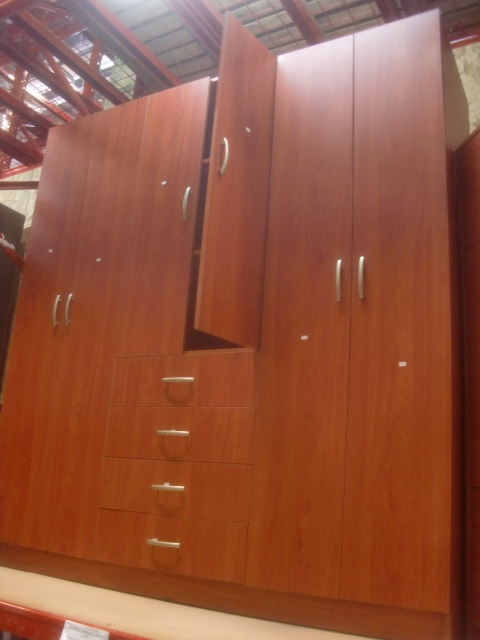 Decoraciones manualidades en madera diferencia entre el for Programa para crear muebles de melamina