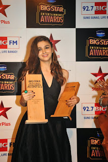 Actress Alia Bhatt Pictures in Black Long Dress at BIG STAR Entertainment Awards 2014  3.jpg