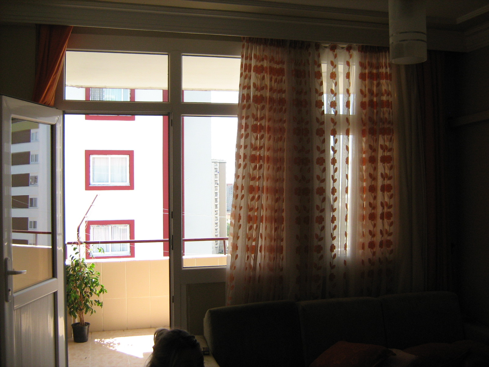 Yatak Odasını Boydan Boya Kaplayacak Duvar Kağıtları