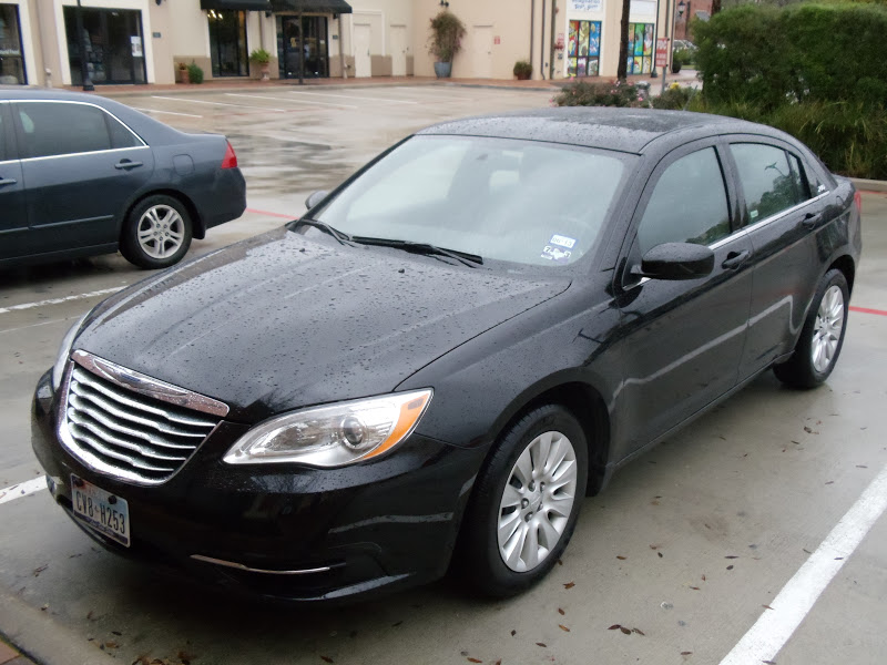 2012 Chrysler 200 Grill >> --CarJunkie's Car Review--: First Impression: Chrysler 200