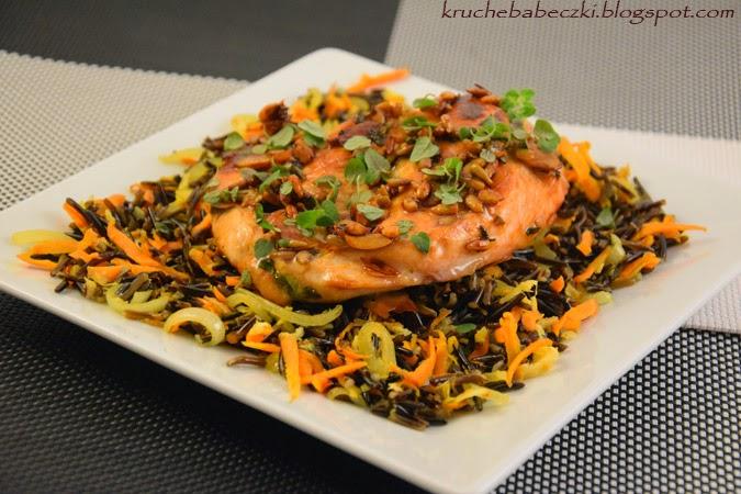 Kurczak w miodzie, migdałach i słoneczniku z ryżem dzikim :)