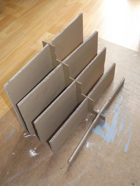 Histoires de filles la construction de mon pr sentoir for Decapant pour bois vernis