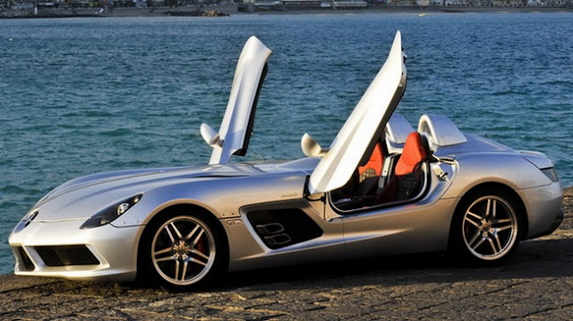 Mercedes-Benz SLR Stirling Moss mui trần
