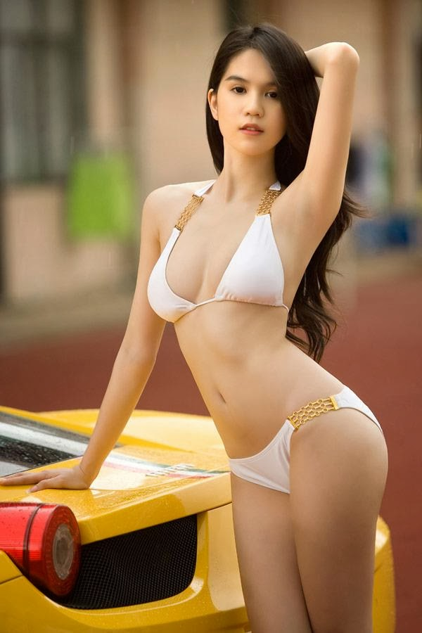asian sexy women in bikini 01