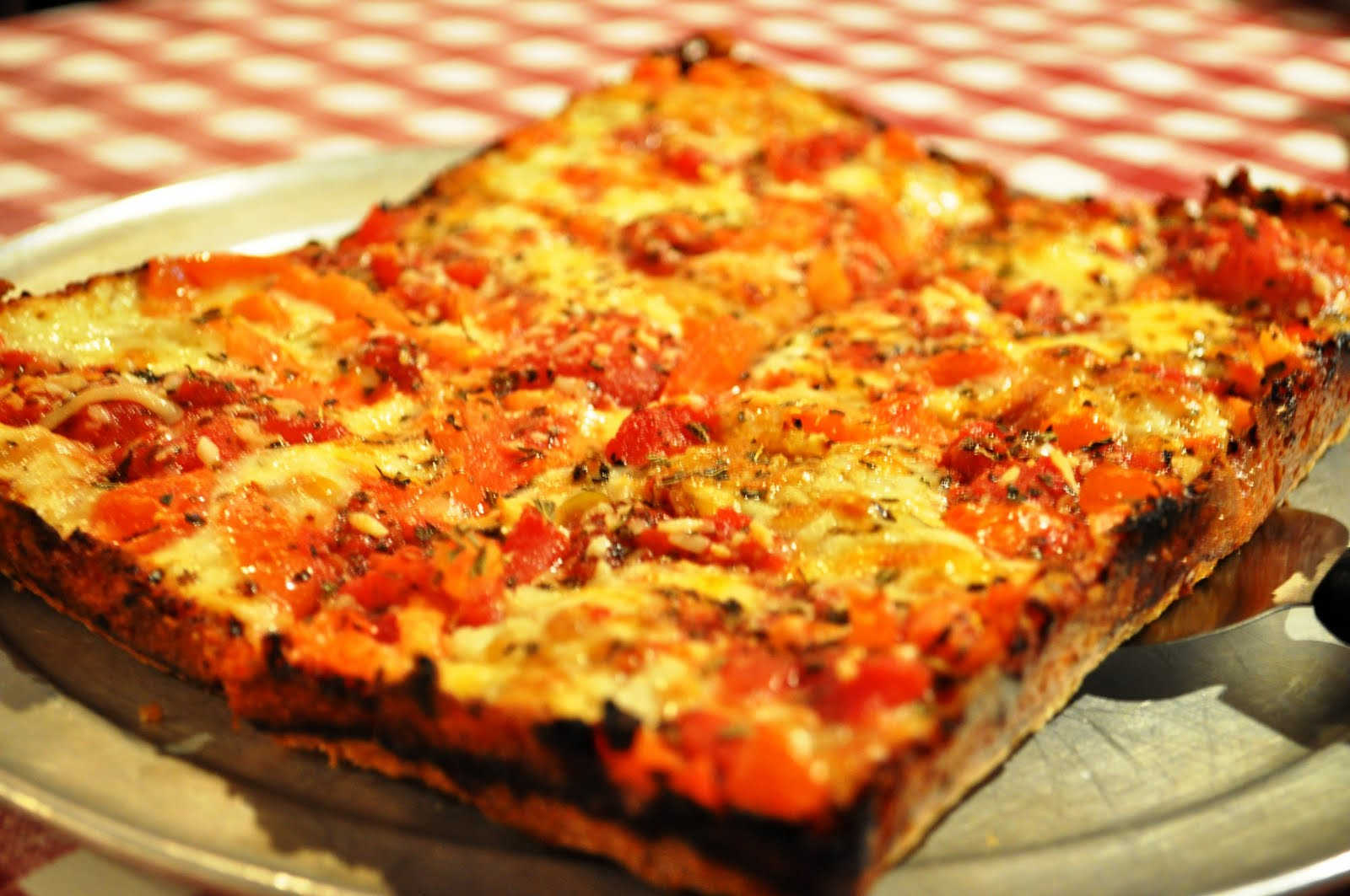 Eat it detroit eid feature buddy 39 s pizza a detroit for Pizza original