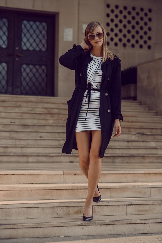 striped dress giveaway, dressign stripe dress, blogger outfit