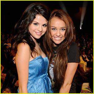 Miley Cyrus i Selena Gomez