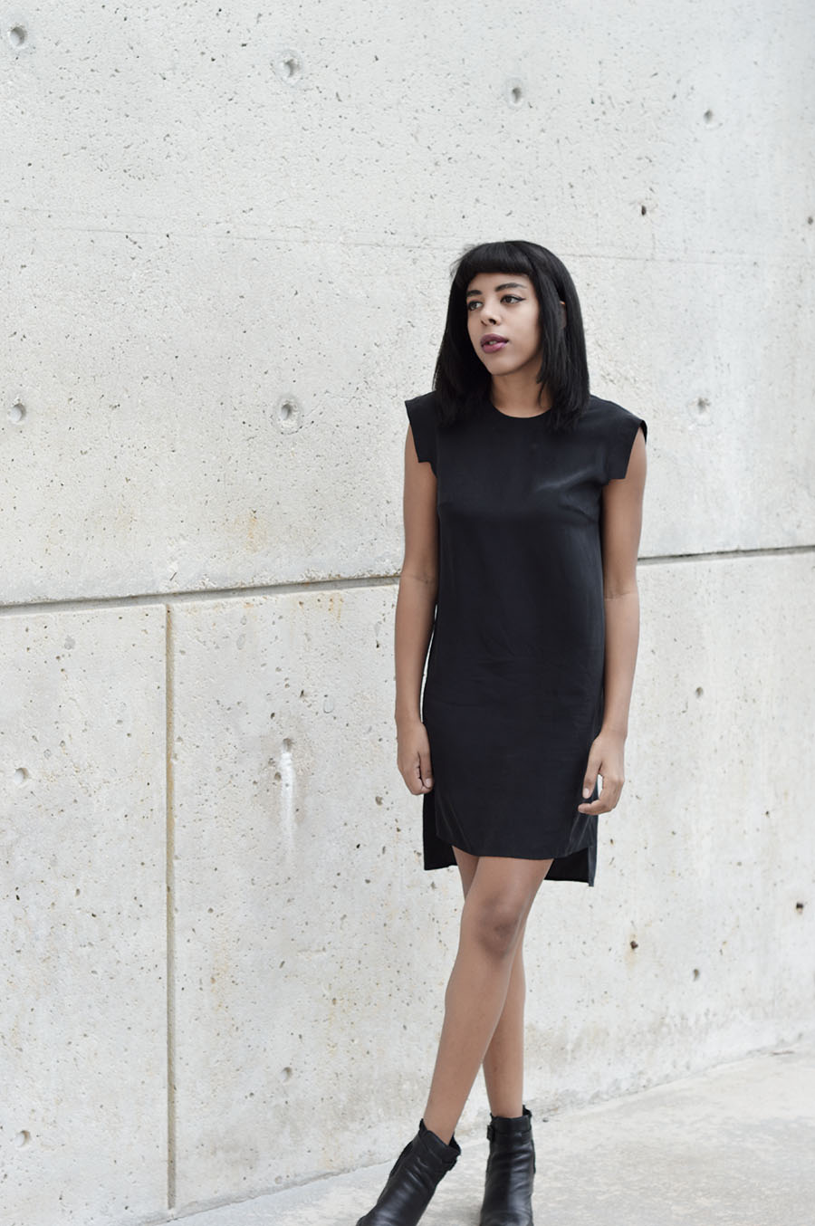 Minimalist Indie Fashion Blogger Anais Alexandre of Down to Stars in an All Saints Tonya Dress and Dolce Vita boots