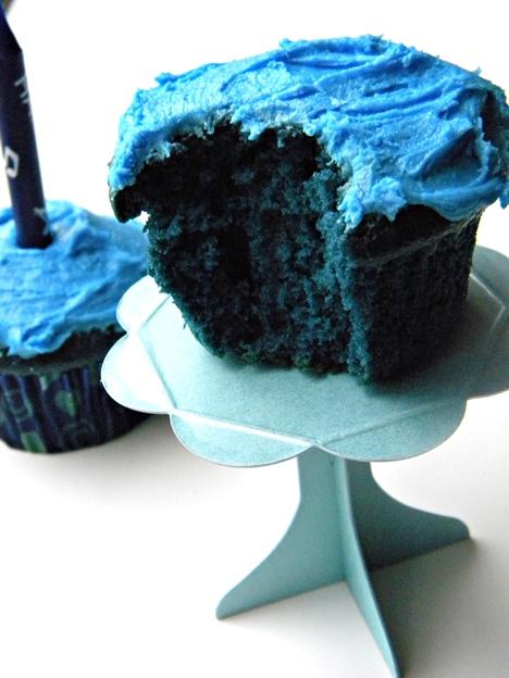 Blue Velvet Wedding Cake Like Red Velvet Cake Blue