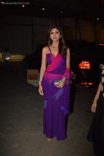 Shilpa Shetty Hot in Saree at Gulshan Kumar Tribute in Filmcity