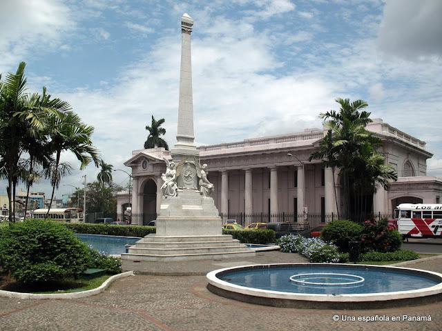 plaza 5 mayo, panama