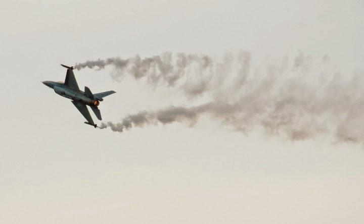 F16 Demo Team en Aire 75
