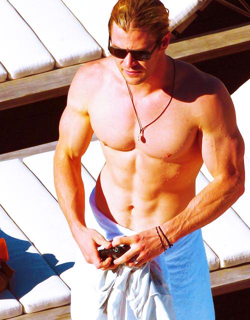 Chris Hemsworth Thor T...