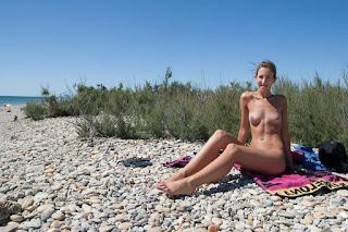 twerking girl - rs-TinyTits14-20-764768.jpg