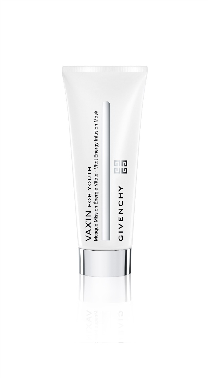 Piel_resplandeciente_con_la_nueva_mascarilla_de_GIVENCHY_VAX'IN FOR_YOUTH_MASQ_02