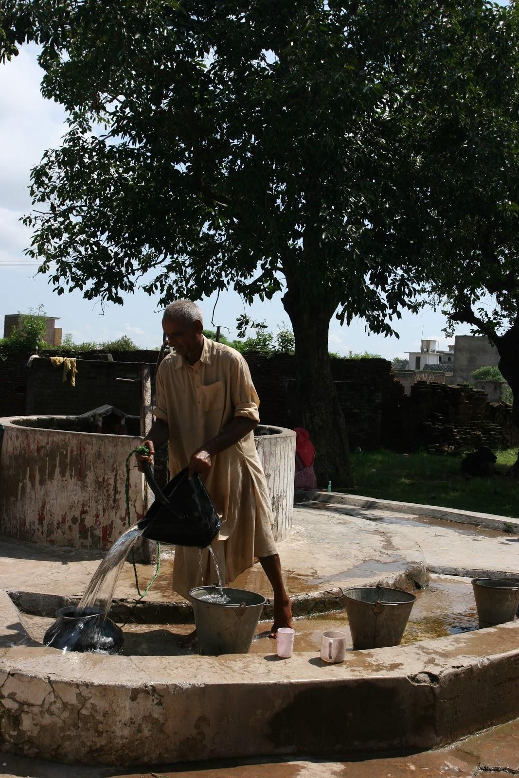 puran bhagat Directed by debaki bose with choudhury mohammed rafiq, m kumar, anwari, krishna chandra dey the legend of prince puran, born under king silwan of sialkot's curse which binds his parents.