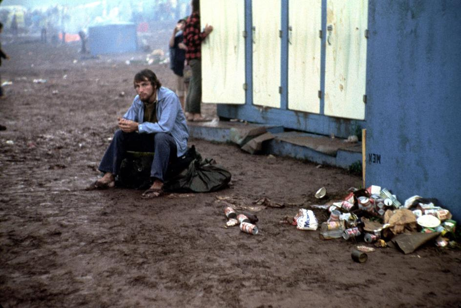 21 Photo Showing How Wild Woodstock Really Got