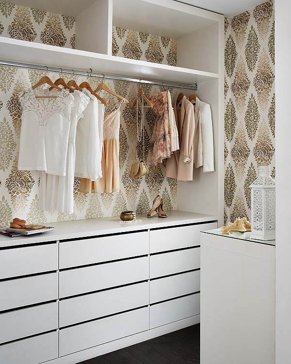 The peak of tr s chic wallpapered closets for The peak of chic