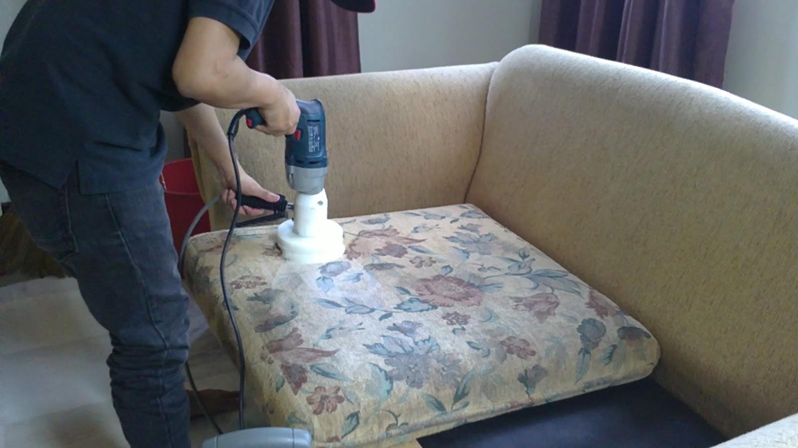 Чем чистить обивку дивана в домашних условиях