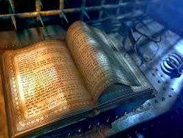 """""""El peso de un libro sobre tu mente es equivalente al de tu conciencia. Elige siempre un buen libro"""