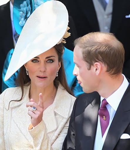Уилям и Кейт на сватбата на Зара Филипс