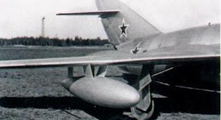 бак под крылом МиГ-15бис