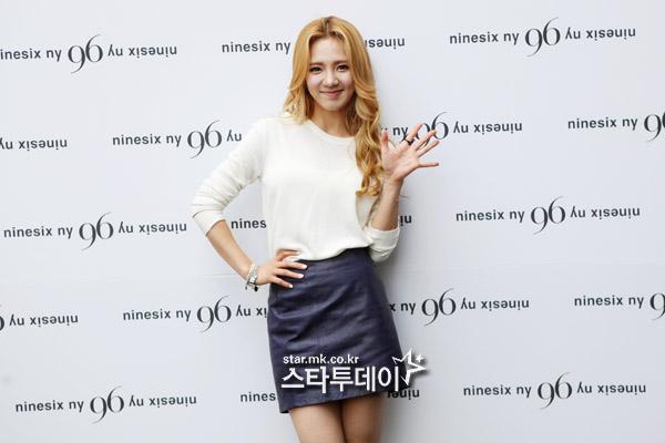 [PICS] HyoYeon @ 96ny '12 F/W  20120626_1340696466