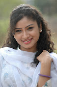 Vishnu priya photos from 21st century Love-thumbnail-11