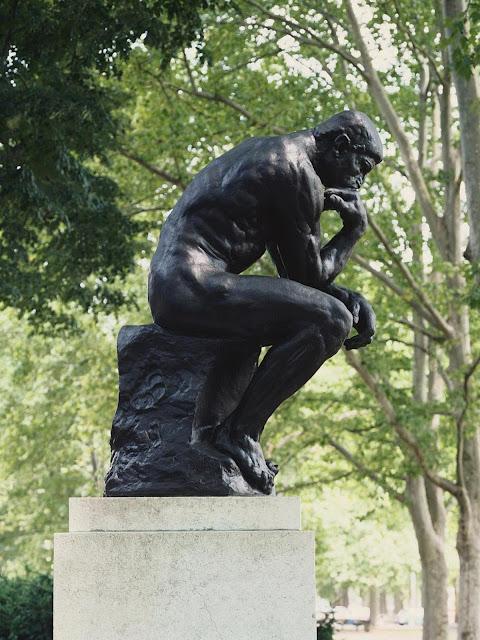 Foto de O Pensador de Rodin.