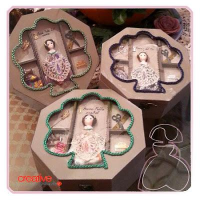 Cajita de madera para accesorios falleros realizada por Sylvia López Morant y decorada a mano
