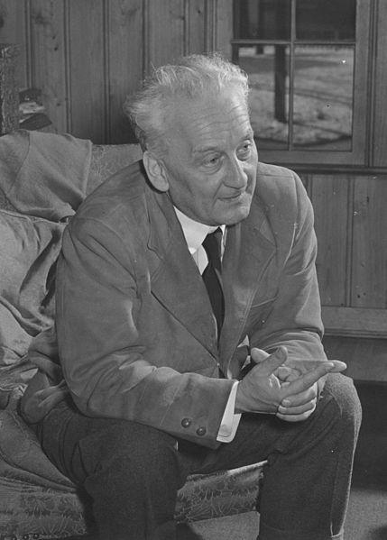 Albert Szent-Gyorgi (1893-1986) at NIH (Bldg. 3)